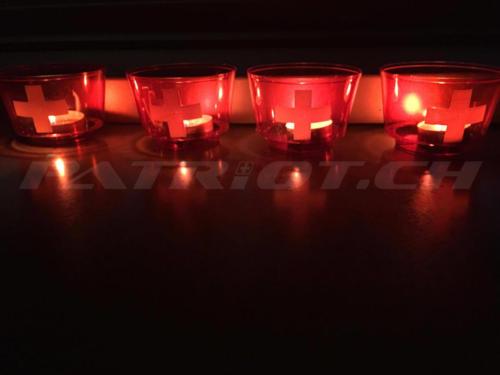 #schweizerkreuz #teelichter #1august #nationalfeiertag #bundesfeier #fêtenationale #1eraoût #festanazionale #1agosto
