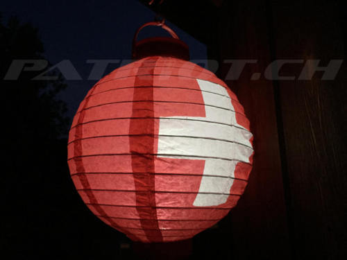 #lampion #schweizerkreuz #1august #nationalfeiertag #bundesfeier #fêtenationale #1eraoût #festanazionale #1agosto