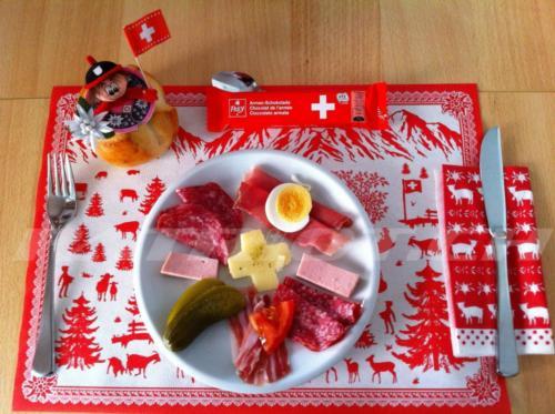 #schweizerkreuz #militärschokolade #edelweiss #eidgenossin #heidi #fähnli #schweizerküche #1august #nationalfeiertag #bundesfeier #fêtenationale #1eraoût #festanazionale #1agosto