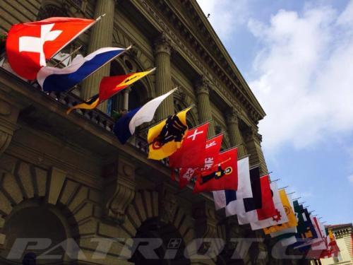 #bundeshaus #fähnli #bern #1august #nationalfeiertag #bundesfeier #fêtenationale #1eraoût #festanazionale #1agosto
