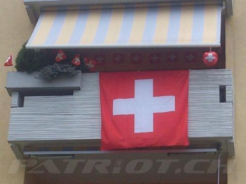 #flaggenstolz #fahne #fähnli #lampion #1august #nationalfeiertag #bundesfeier #fêtenationale #1eraoût #festanazionale #1agosto