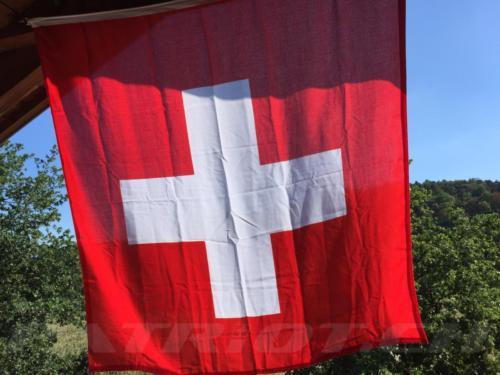 #flaggenstolz #fahne #1august #nationalfeiertag #bundesfeier #fêtenationale #1eraoût #festanazionale #1agosto dankä mark !