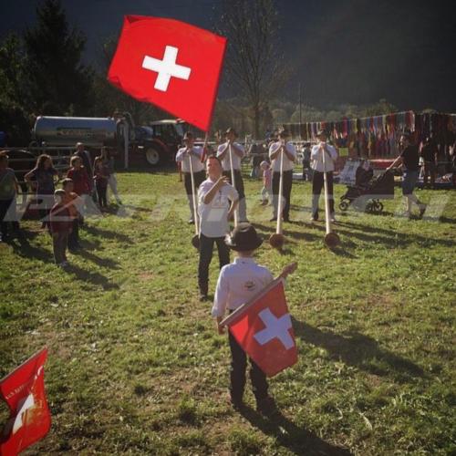 #flaggenstolz #fahnenschwinger #fahnen #1august #nationalfeiertag #bundesfeier #fêtenationale #1eraoût #festanazionale #1agosto