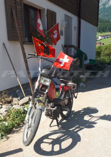 #flaggenstolz #fähnli #töffli #glarus #1august #nationalfeiertag #bundesfeier #fêtenationale #1eraoût #festanazionale #1agosto