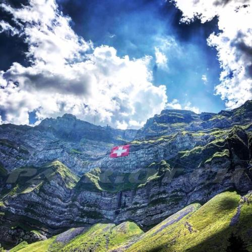 #appenzellerland #säntis #flaggenstolz #fahne #1august #nationalfeiertag #bundesfeier #fêtenationale #1eraoût #festanazionale #1agosto