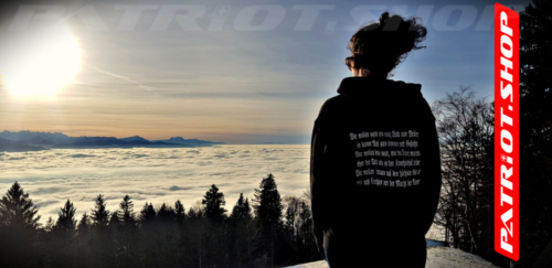 #bachtel #nebelmeer #zürcheroberland #hoodie #rütlischwur #patriotshop