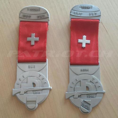 #feldschiessen #schützenabzeichen #medallien #schiesssport #300m #zug #bern