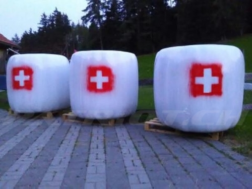 #heuballen #schweizerkreuz