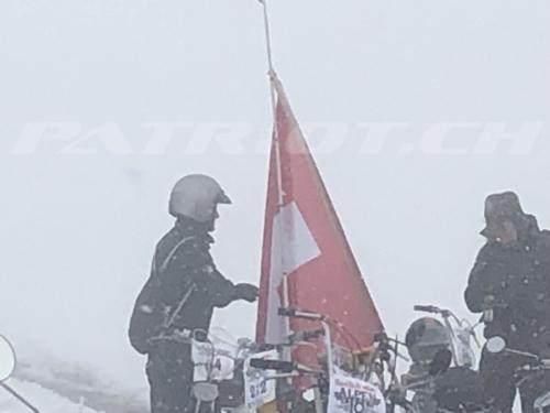 #redbullalpenbrevet #redbullalpenbrevet2019 #redbull #alpenbrevet #grimsel #fahne #töffli #mofa