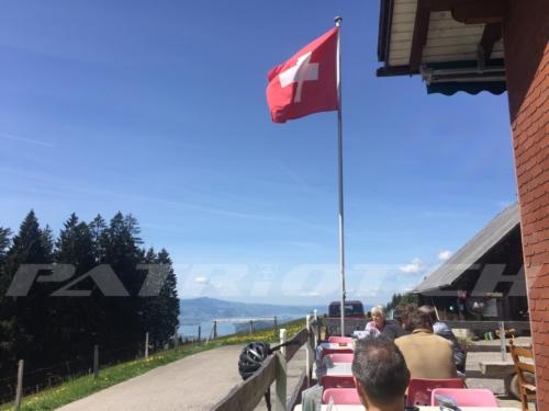 #alpwirtschaft #rittmarren #fahne #zürichsee