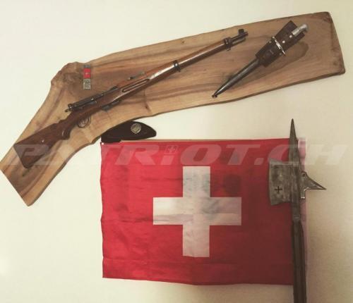 #karabiner #hellebarde #fahne #bajonett