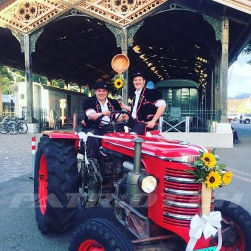 #jodelfest #brigglis #jodel #jodler #tracht #traktor #hürlimann